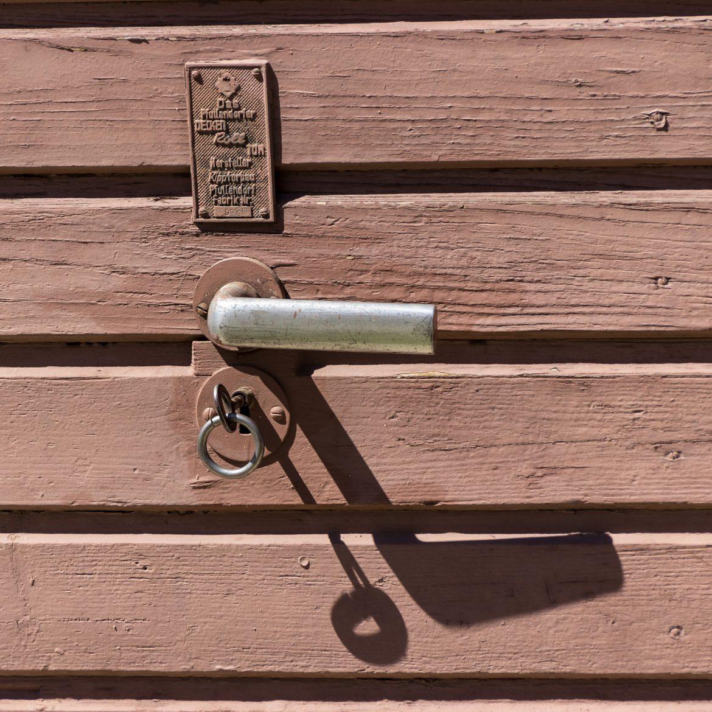 door-924863_1920